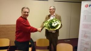 Herman Zwerink bedankt Michael Reuvekamp voor zijn inzet.